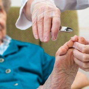 podologoa-almeria-podologia-geriatrica-sanursalud-centromedicoalmeria
